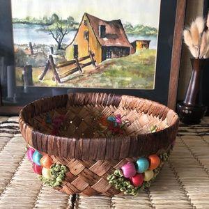 Cottagecore Pretty Vintage round straw basket
